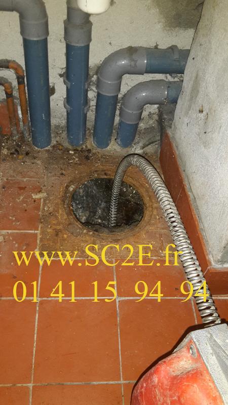 Détartrage et débouchage de canalisations plombiers 92