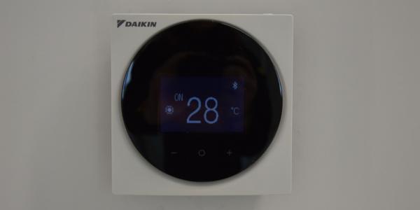 Télécommande de régulation des climatiseurs